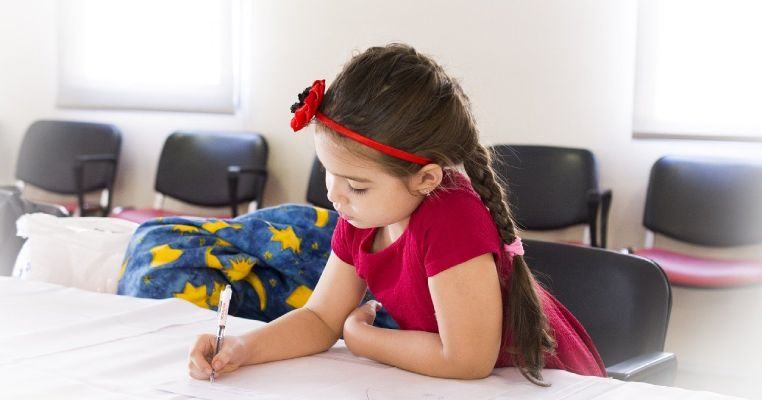 girl writing therapeutic letter